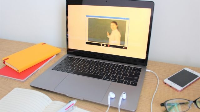 コロナで大学生だけオンライン授業なのはなぜ?孤独に耐えられない人も…